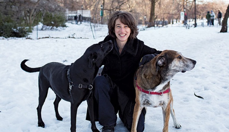 Alexandra Horowitz along with dogs Finnegan and Upton.